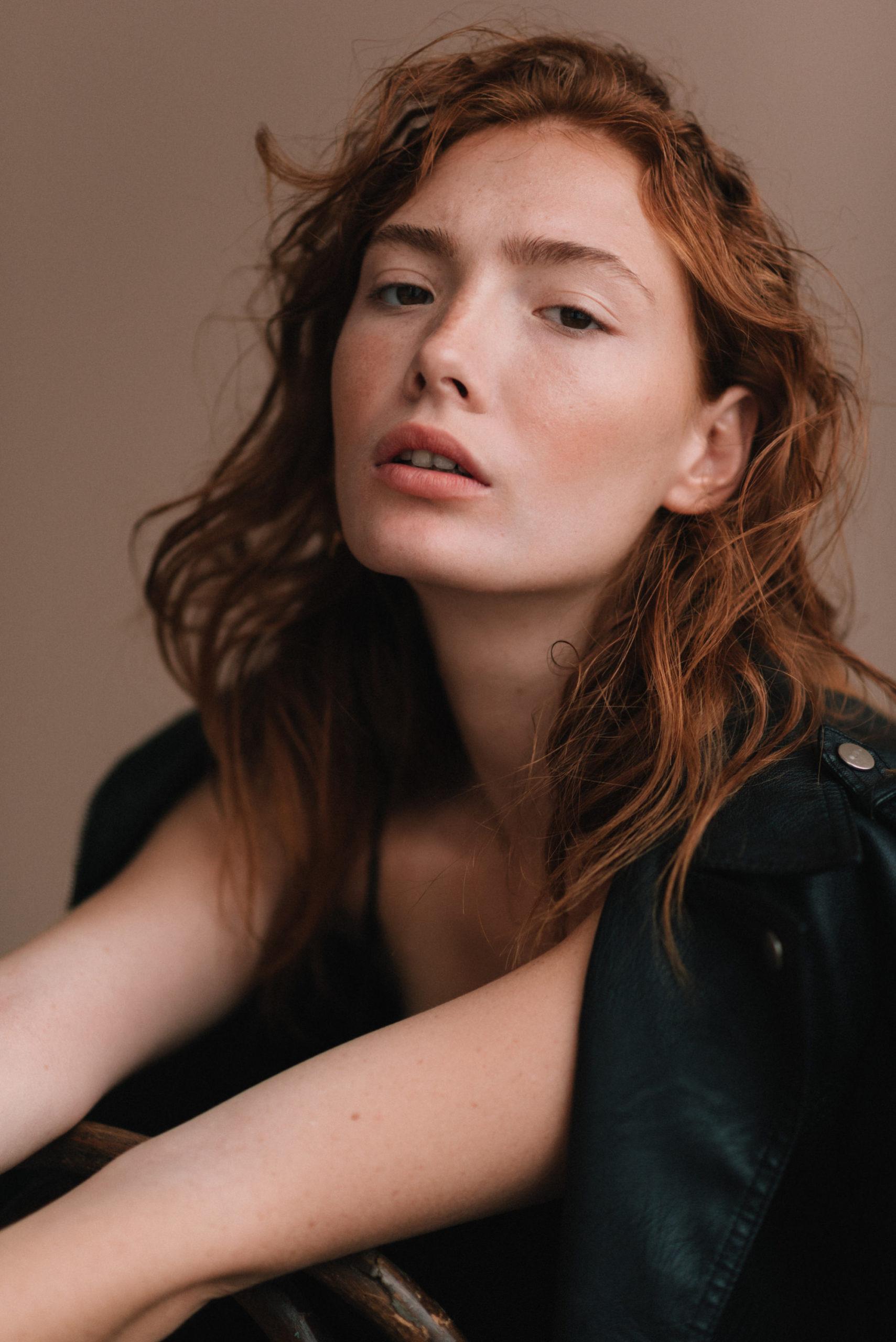 Chloé Lapeyssonnie - photographe - commercial mode femme homme fashion accessoires